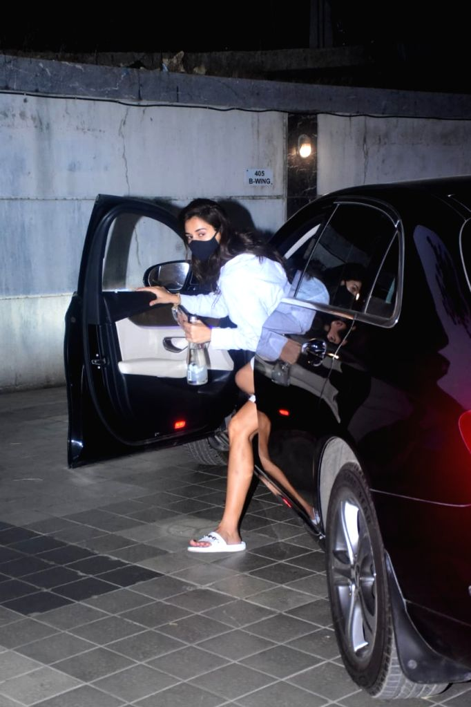 Disha Patani Spotted At Clinic In Bandra on Monday 01st March 2021.