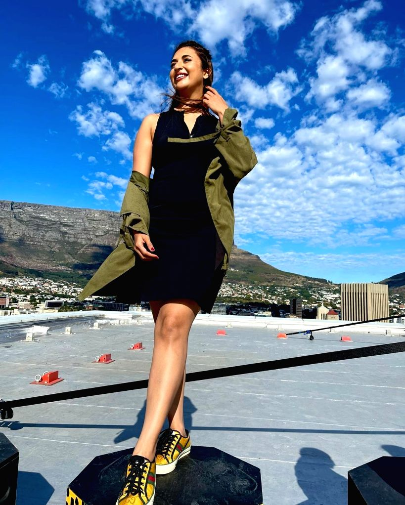 Divyanka Tripathi posts 'on location' pictures from Cape Town. - Divyanka Tripathi