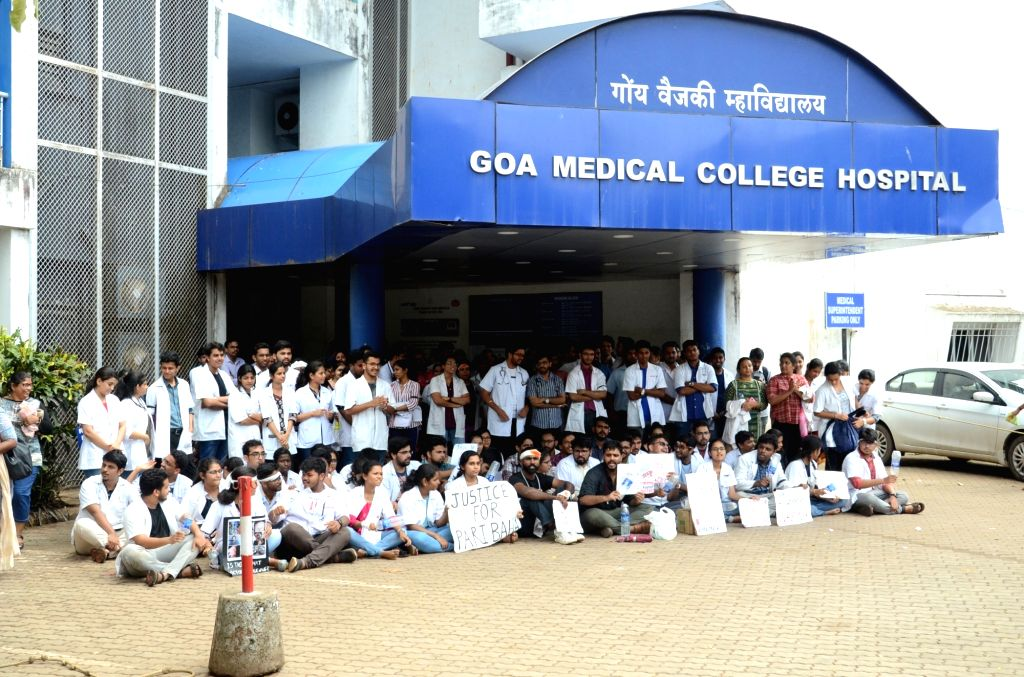 Doctors of Goa Medical College and Hospital stage a protest in solidarity against the brutal attack on a doctor at a major Kolkata hospital; in Goa's Bambolim on June 14, 2019.