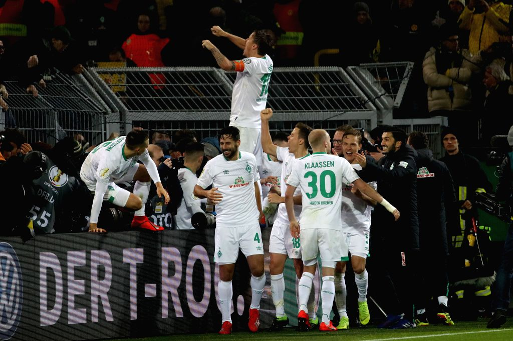 DORTMUND, Feb. 6, 2019 - Players of Bremen celebrate after winning the DFB Cup third round match between Borussia Dortmund and SV Werder Bremen in Dortmund, Germany, on Feb. 5, 2019.