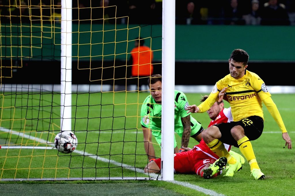 DORTMUND, Nov. 1, 2018 - Christian Pulisic (R) of Borussia Dortmund scores during the DFB Cup match between Borussia Dortmund and Union Berlin in Dortmund, Germany, Oct. 31, 2018. Borussia Dortmund ...