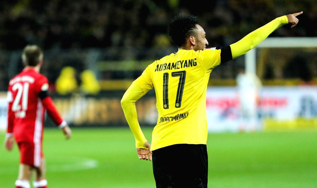 DORTMUND, Nov. 20, 2016 - Pierre-Emerick Aubameyang (R) of Dortmund celebrates scoring during the German Bundesliga soccer match between Borussia Dortmund and Bayern Munich in Dortmund, Germany, ...