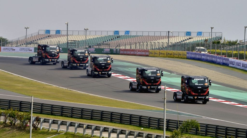Doubling of its distribution network, getting ready for launch of BS VI emission norms compliant trucks, digitisation of customer interface are some of the plans of truck maker Daimler India Commercial Vehicles, said a top company official. (Photo: I