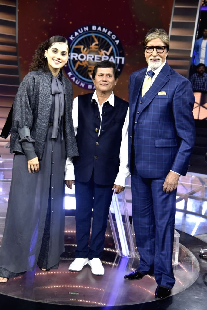 Dr Achyuta Samanta with Tapsee Pannu and Amitabh Bachchan on KBC 11. - Amitabh Bachchan