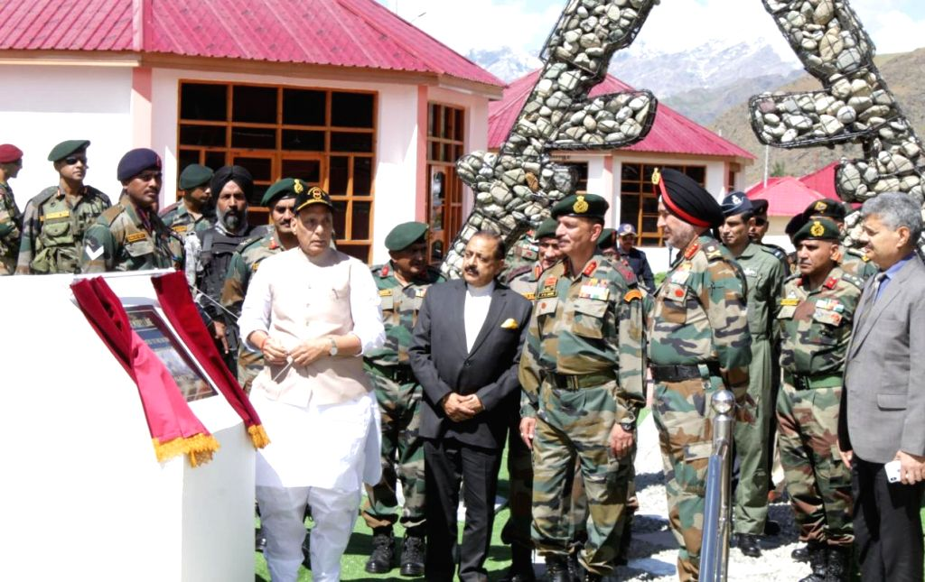 Dras: Defence Minister Rajnath Singh accompanied by Union MoS Development of North Eastern Region (I/C), Prime Minister's Office, Personnel, Public Grievances and Pensions, Atomic Energy and Space Jitendra Singh and Army Chief General Bipi - Rajnath Singh and Jitendra Singh