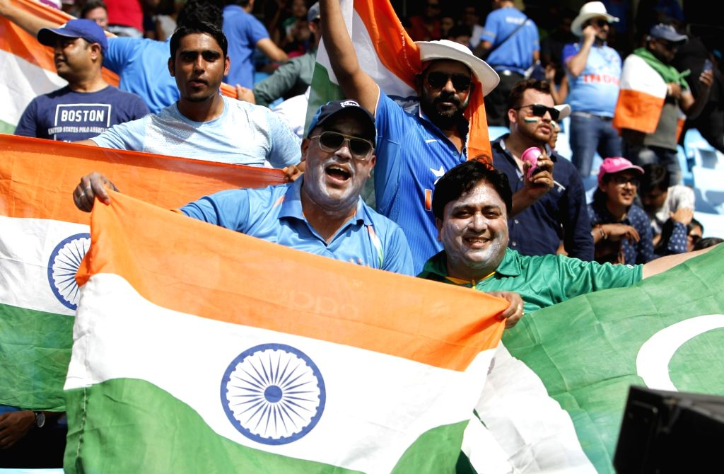 Dubai: Fans during the fifth match (Group A) of Asia Cup 2018 between India and Pakistan at Dubai International Cricket Stadium on Sept 19, 2018. (Photo: Surjeet Yadav/IANS) - Surjeet Yadav