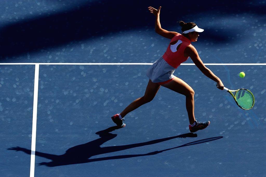 DUBAI, Feb. 18, 2019 - Jennifer Brady of the United States returns the ball during the women's singles first round match against Jelena Ostapenko of Latvia at Dubai Duty Free Tennis WTA Championships ...
