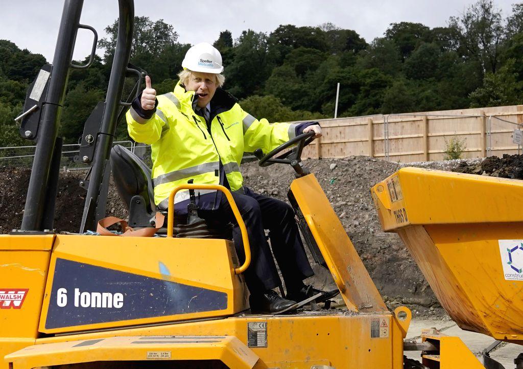 Dudley (Britain), June 30, 2020 British Prime Minister Boris Johnson visits a construction site in Dudley, Britain, on June 30, 2020. Boris Johnson on Tuesday announced a 5-billion-pound ... - Boris Johnson