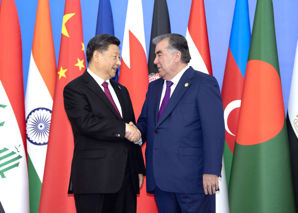 DUSHANBE, June 15, 2019 - Chinese President Xi Jinping is warmly received by Tajik President Emomali Rahmon in Dushanbe, Tajikistan, June 15, 2019. The fifth summit of the Conference on Interaction ...
