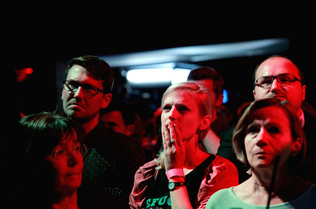DUSSELDORF (GERMANY), May 14, 2017 Supporters of German State Governor of North-Rhine Westphalia and Social Democrats (SPD)'s candidate Hannelore Kraft react after Christian Democratic ...
