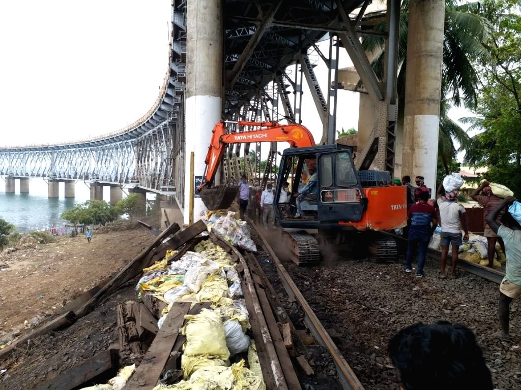 East Godavari: The rail-cum-road bridge over the Godavari river in Andhra Pradesh's East Godavari district undergoes maintenance work during the fourth phase of the nationwide lockdown imposed to mitigate the spread of coronavirus, on May 21, 2020. (