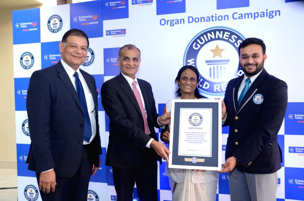 Edelweiss Tokio Life Insurance MD and CEO Sumit Rai, Chairman and Chief Executive Rashesh Shah and National Organ and Tissue Transplant Organisation Director Vasanthi Ramesh accepting ... - Sumit Rai and Executive Rashesh Shah