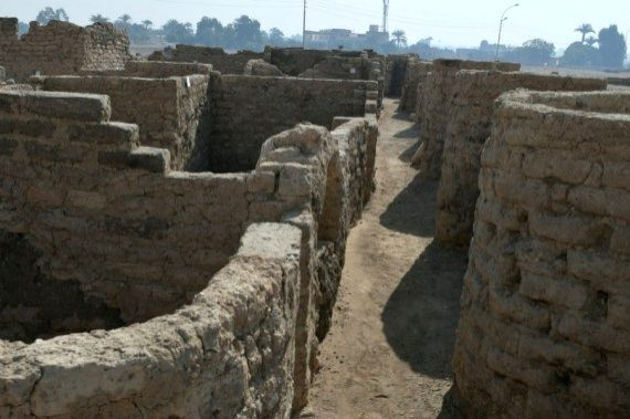 """Egypt unveils discovery of 3000-year-old """"Lost Gold City"""" in Luxor."""