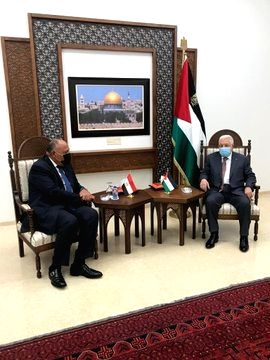 Egyptian Foreign Minister Sameh Shoukry meets Palestinian President Mahmoud Abbas in Ramallah.(pic credit: https://twitter.com/mfaegypt) - Sameh Shoukry
