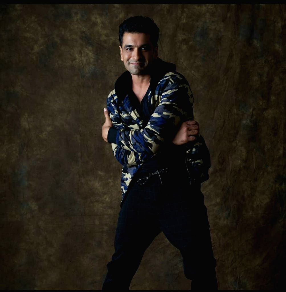 Eijaz Khan flaunts his romantic avatar in new music video 'Banjaran'. - Eijaz Khan