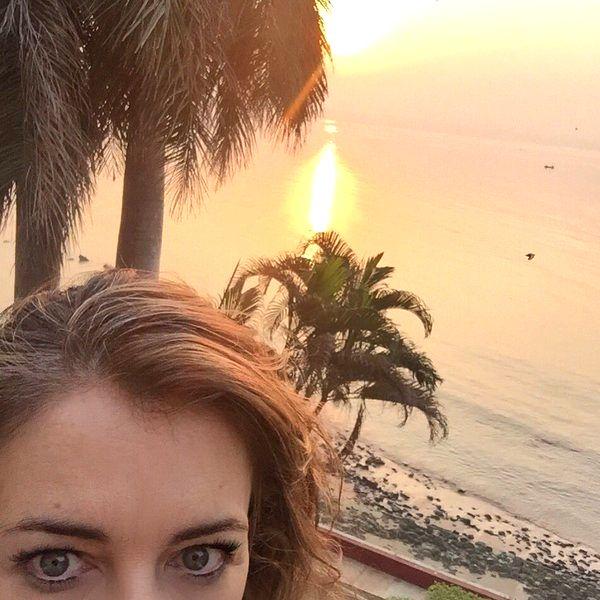 Elizabeth Hurley's 'siesta time' in India