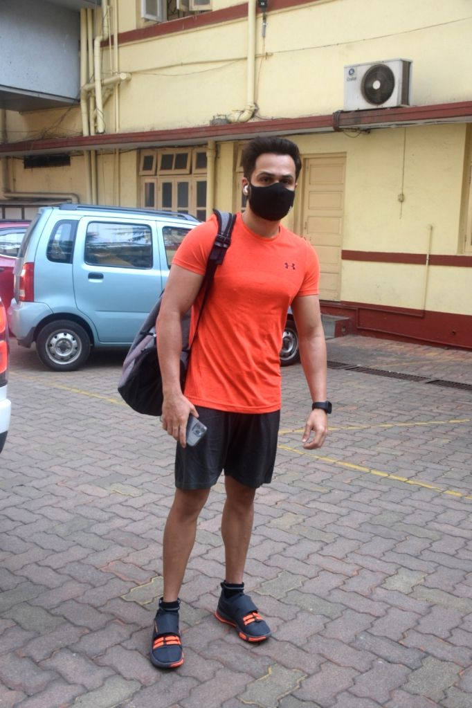 Emraan Hashmi spotted in GYM Bandra on Sunday 28th February 2021 .