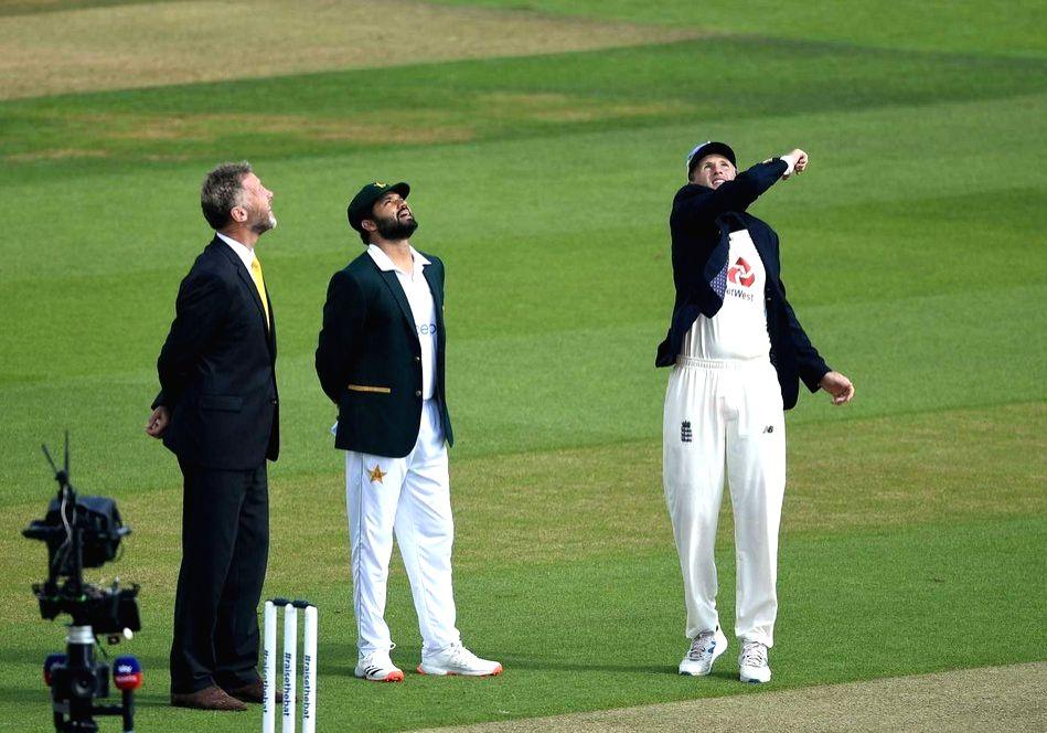 Eng vs Pak 2nd Test: Pak opt to bat (Toss).