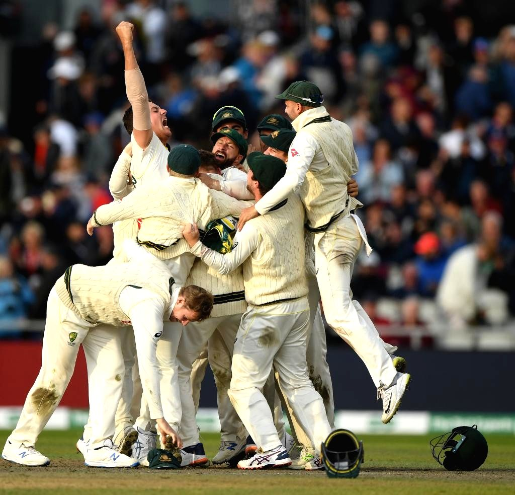 England players celebrate after winning the 5th Test match against Australia at Kennington Oval in London on Sep 15, 2019. England won by 135 runs.