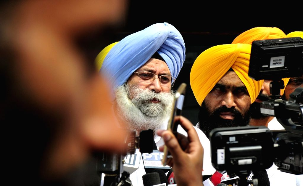 er of Opposition Aam Aadmi Party (AAP) in Punjab Vidhan Sabha HS Phoolka talks to press after submiting a memorandum to SGPC officials against Punjab Chief Minster Capt Amarinder Singh ... - Rana K
