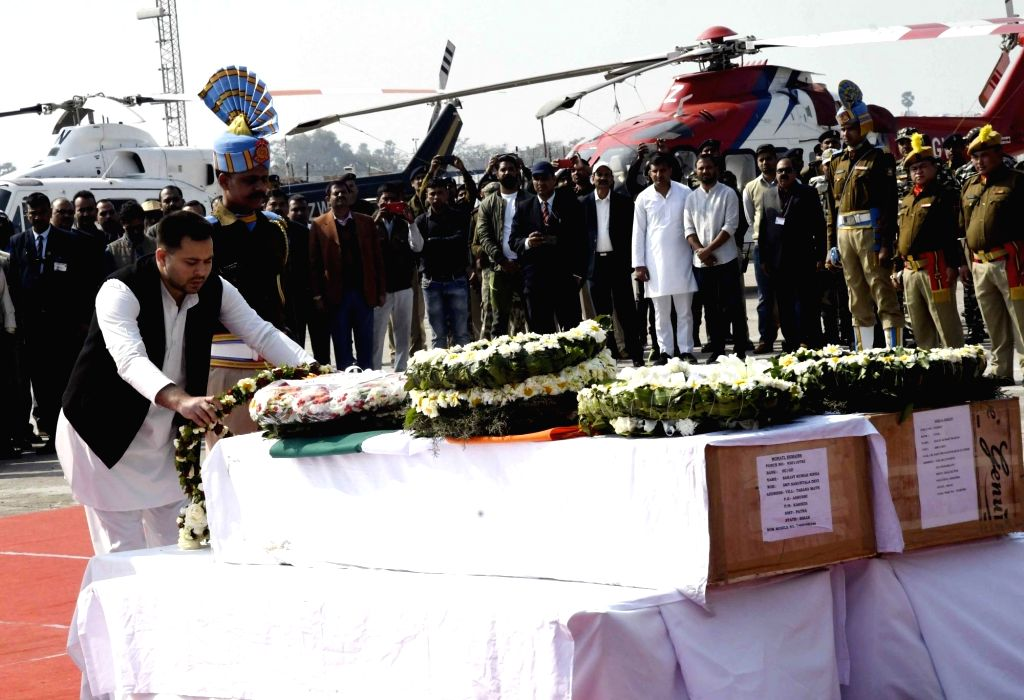 er of Opposition in Bihar Assembly Tejashwi Yadav pays tribute to martyrs Ratan Kumar Thakur and Sanjay Kumar Sinha, who were among the 49 CRPF personnel killed in 14 Feb Pulwama militant ... - Assembly Tejashwi Yadav, Kumar Thakur and Sanjay Kumar Sinha