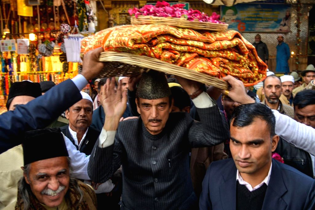 er of the Opposition in the Rajya Sabha and Congress leader Ghulam Nabi Azad visits Ajmer Sharif Dargah on Feb 7, 2020.