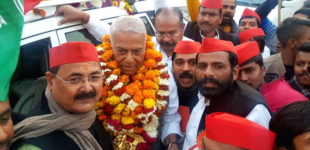 Etawah: Ex-BJP leader and former Union Minister Yashwant Sinha during the 21-day long Mumbai-Delhi 'Gandhi Shanti Yatra' that reached Etawah in Uttar Pradesh on Jan 26, 2020. (Photo: IANS) - Yashwant Sinha