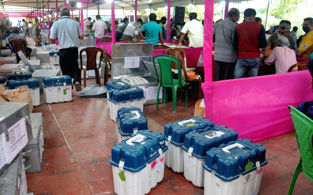 EVM distribution ahead of the 5th phase of State Assembly election at Bidhannagar College in Kolkata On Friday, 16th April,2021.
