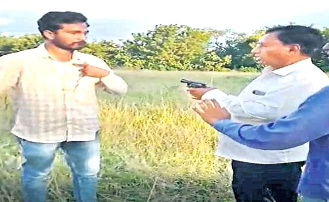 Ex Andhra minister booked for threatening canal construction workers with revolver