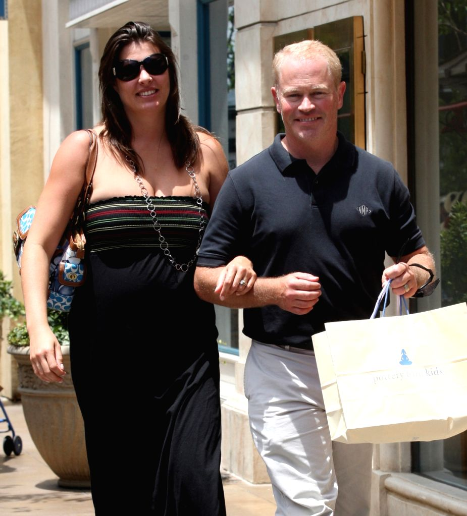 Exclusive Neal Mcdonough And Wife Ruve Robertson Spend Some Time Shopping In Hollywoodlos Approximately 250 ruve robertson photos available for licensing. neal mcdonough and wife ruve robertson