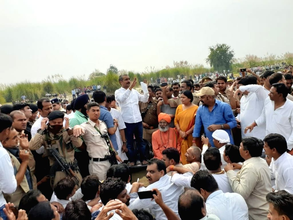 Expelled Bharatiya Janata Party (BJP) MLA Kuldeep Sengar attends the cremation of his younger sibling Manoj Sengar after he was granted a 72-hour parole to attend the same, in Uttar Pradesh's Unnao. ... - Abhijit Singh Sanga