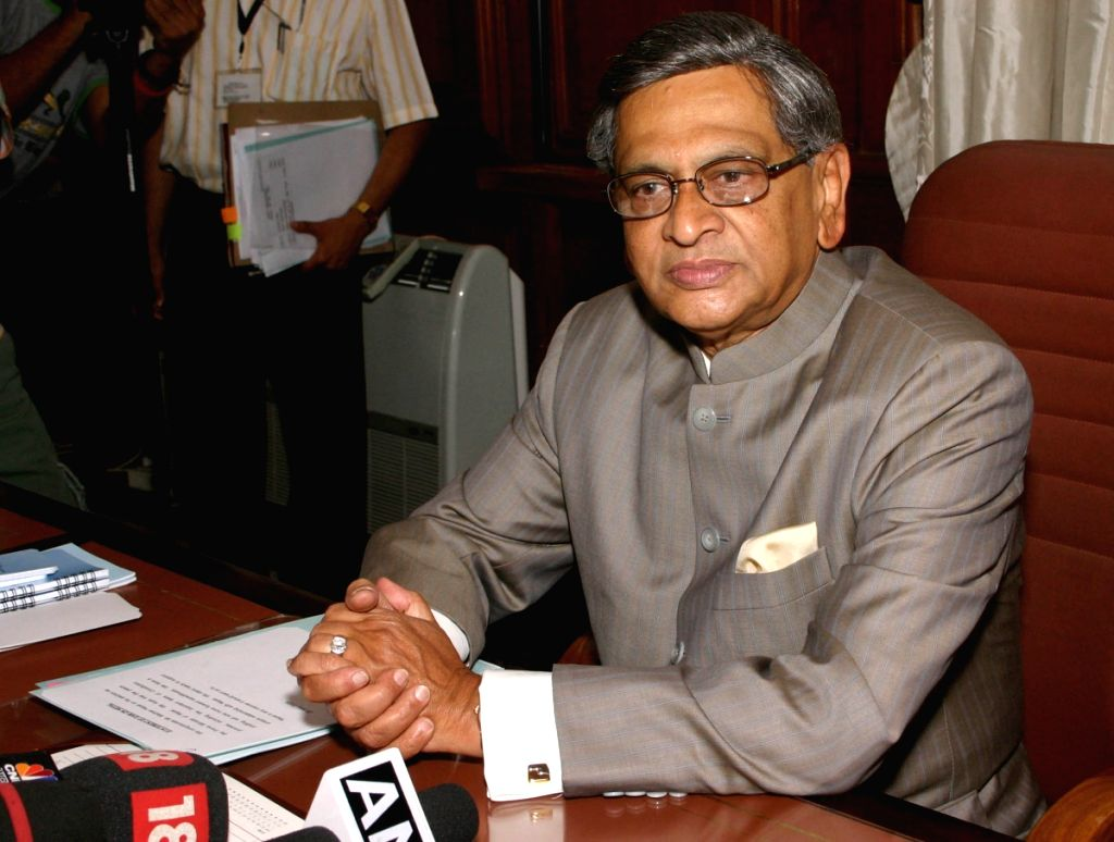 External Affairs Minister SM Krishna at his office at South Block on Monday in New Delhi on 25 May 2009.