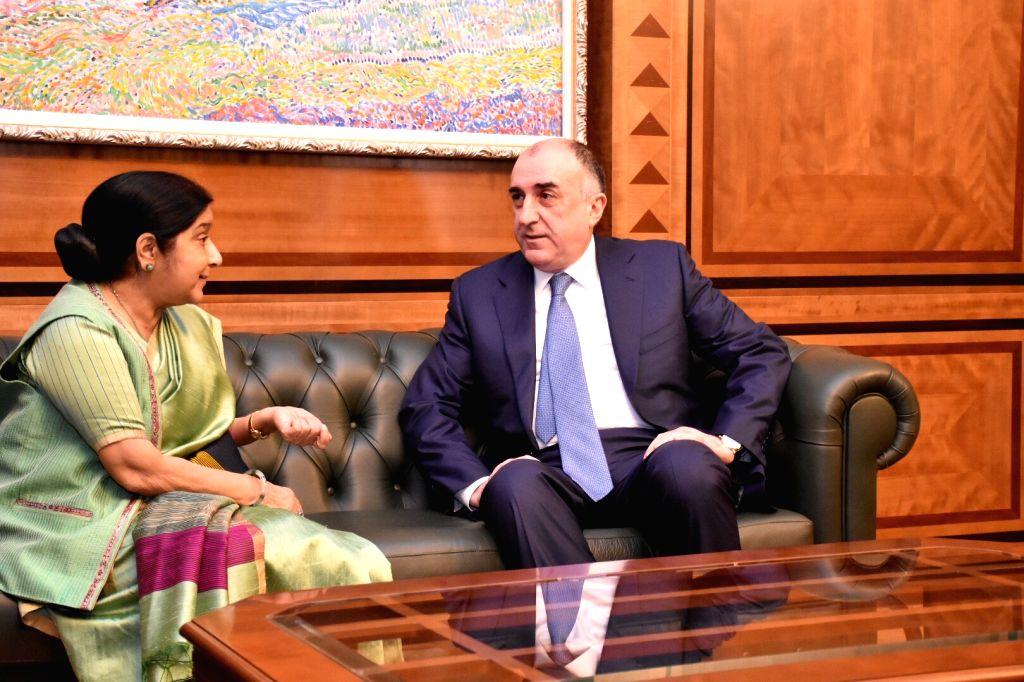 External Affairs Minister Sushma Swaraj meets Azerbaijan's Foreign Affairs Minister Elmar Mammadyarov in Baku on April 4, 2018. - Sushma Swaraj
