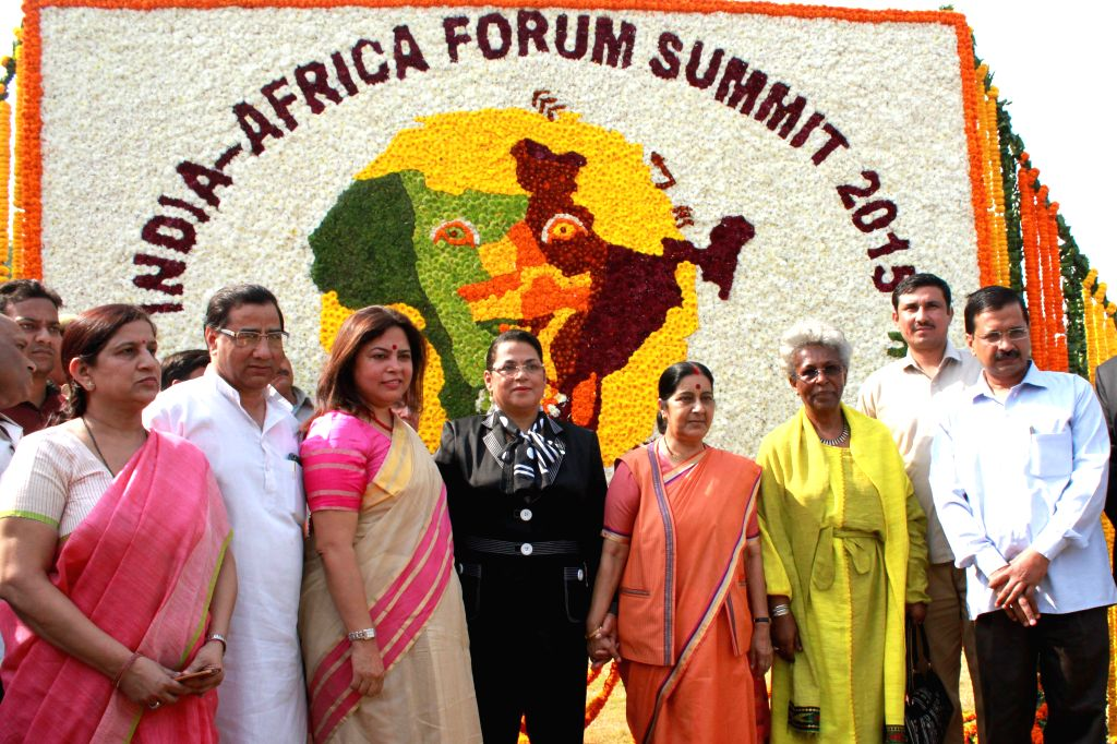 External Affairs Minister Sushma Swaraj with Delhi Chief Minister Arvind Kejriwal and the External Affairs Minister of Madagascar Beatrice Jeanine Atallah and  at the inauguration of India Africa ... - Sushma Swaraj and Arvind Kejriwal