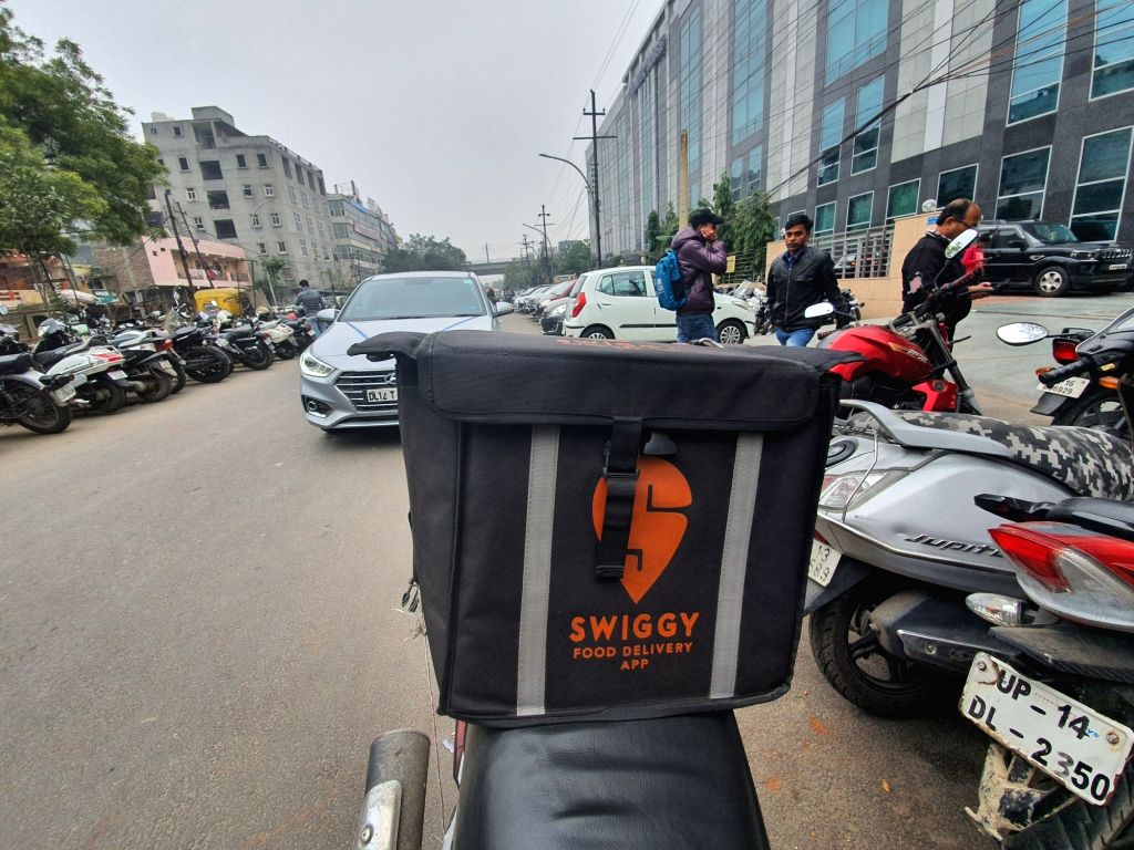 Fake food shops flourish on Swiggy, Zomato; users in distress