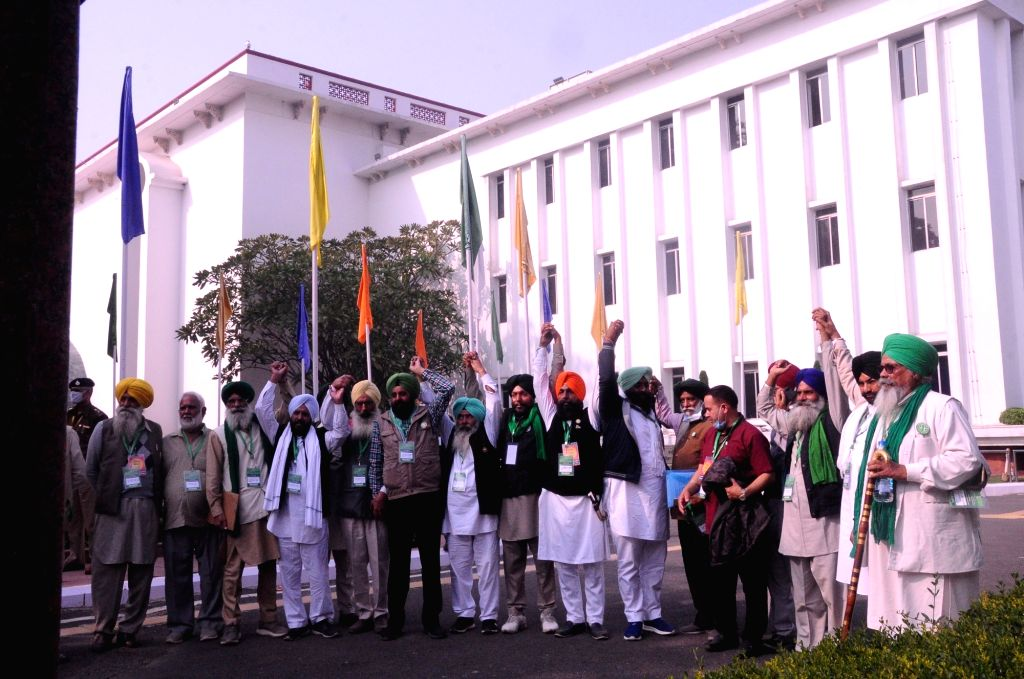Farmer leaders arrive at Vigyan Bhawan to hold the fifth round of talks with the Centre even as the agitation by farmers to protest against the three farm laws continued for the 10th day, ...