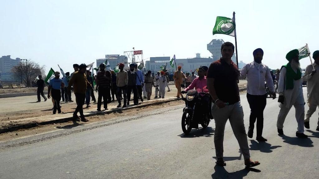 Farmers at kundli border