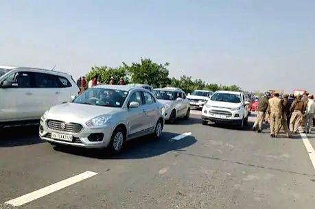 Farmers disrupt traffic in western UP.