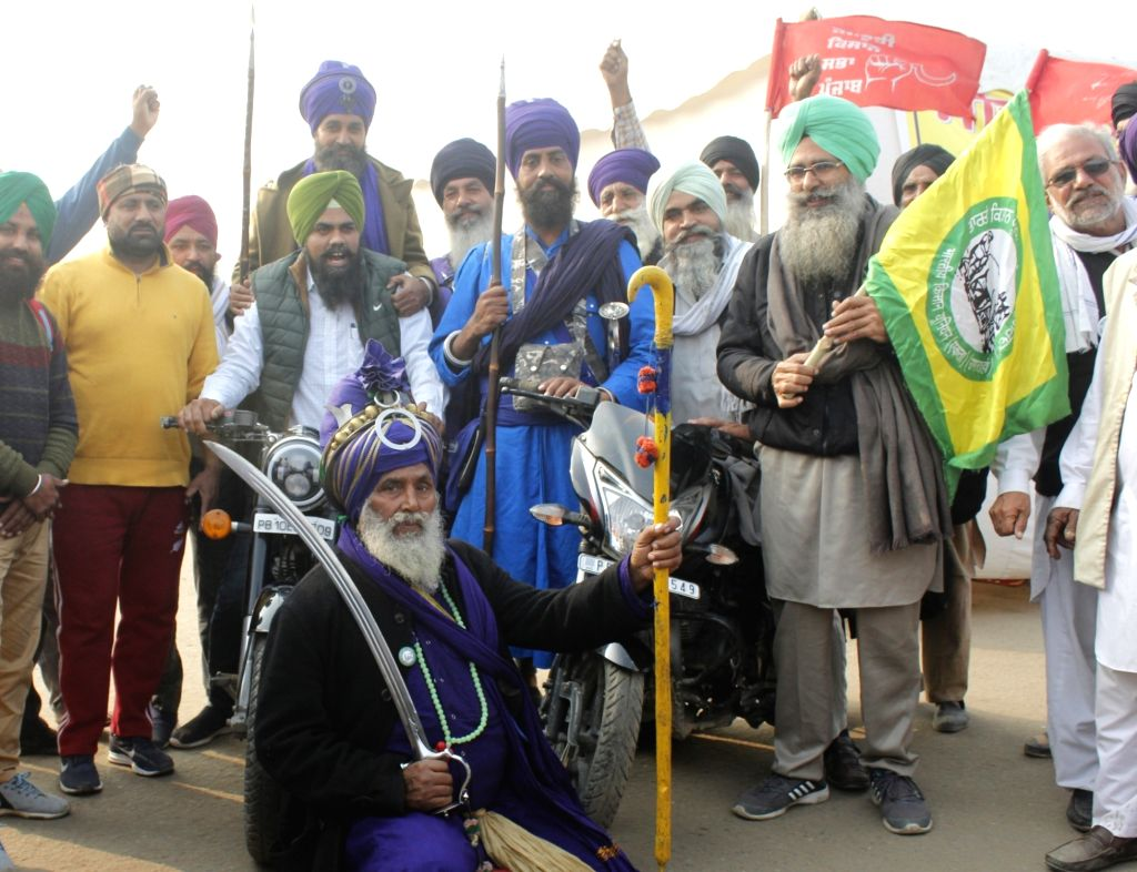 Farmers from Punjab and Haryana continue to protest against the three farm laws for the 10th consecutive day, at Delhi-Haryana's Singhu Border on Dec 5, 2020.