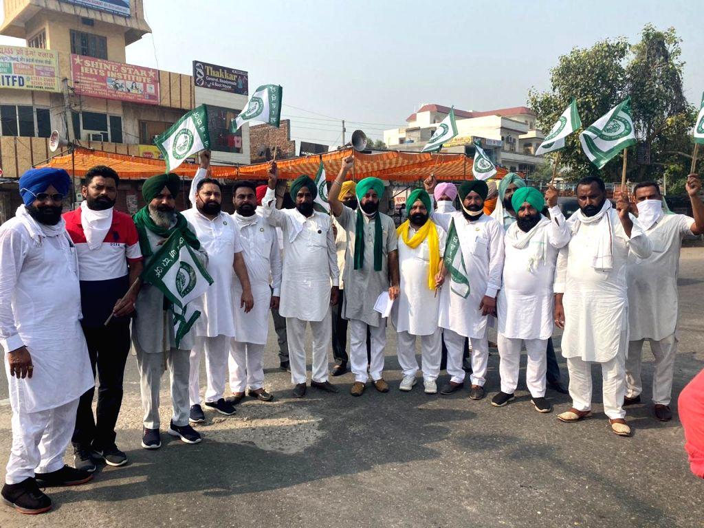 Farmers protesting against farm bills in Punjab