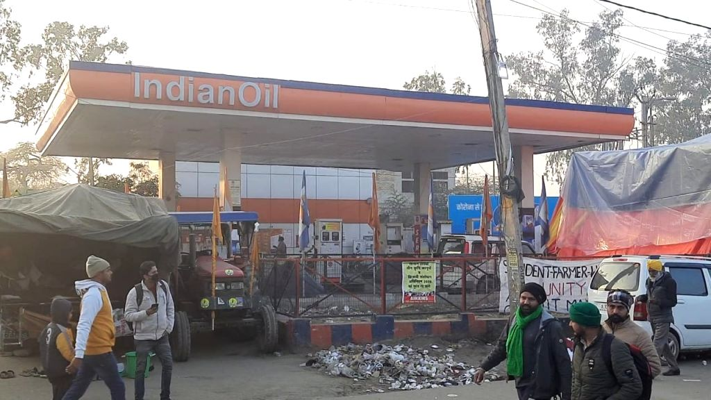 Farmers' stir: Fuel pump stations suffer losses at Singhu border