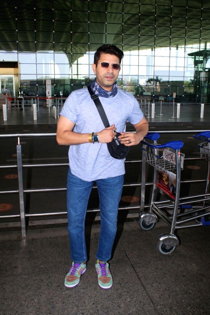Faruk Kabir spotted at airport departure