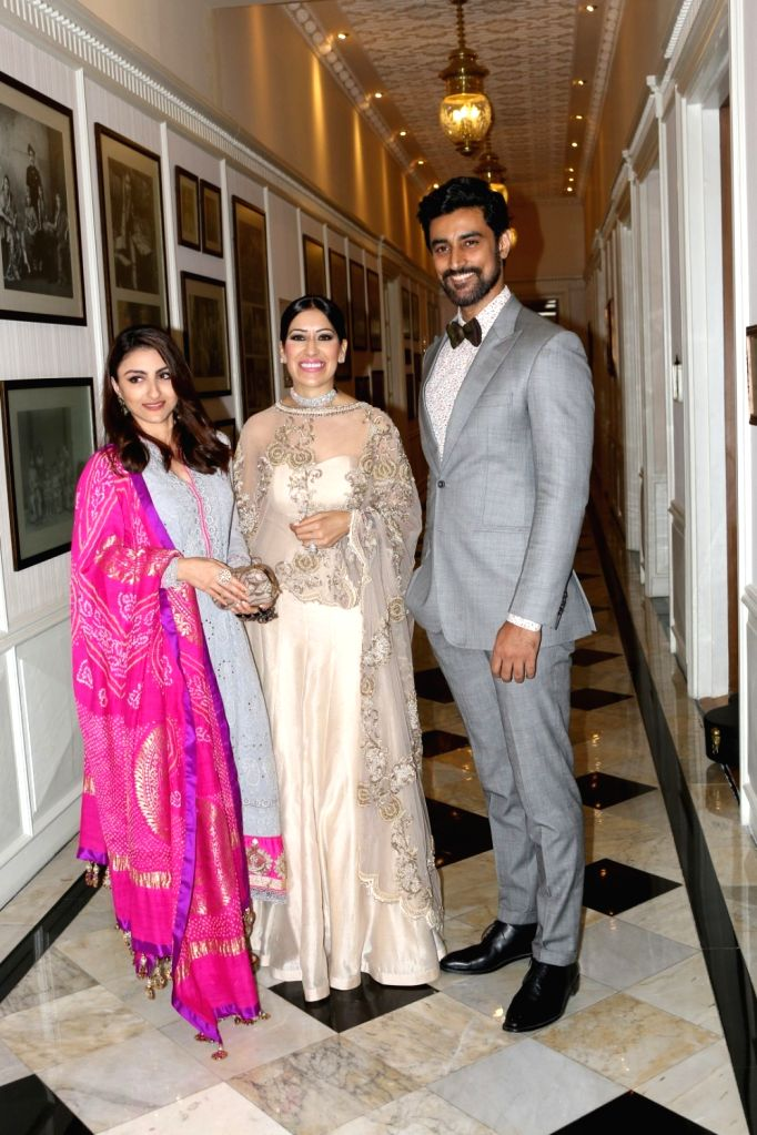 Fashion designer Maheka Mirpuri with actors Soha Ali Khan and Kunal Kapoor during the MCan Foundation 4th annual charity gala and fundraiser `Cansurvive` to raise funds for underprivileged ... - Soha Ali Khan and Kunal Kapoor