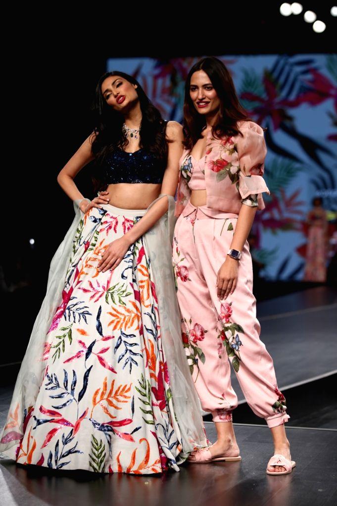 Fashion designer Mahima Mahajan with actress Athiya Shetty on the third day of Lotus Make-up India Fashion Week, in New Delhi on Oct 11, 2019. - Athiya Shetty and Mahima Mahajan