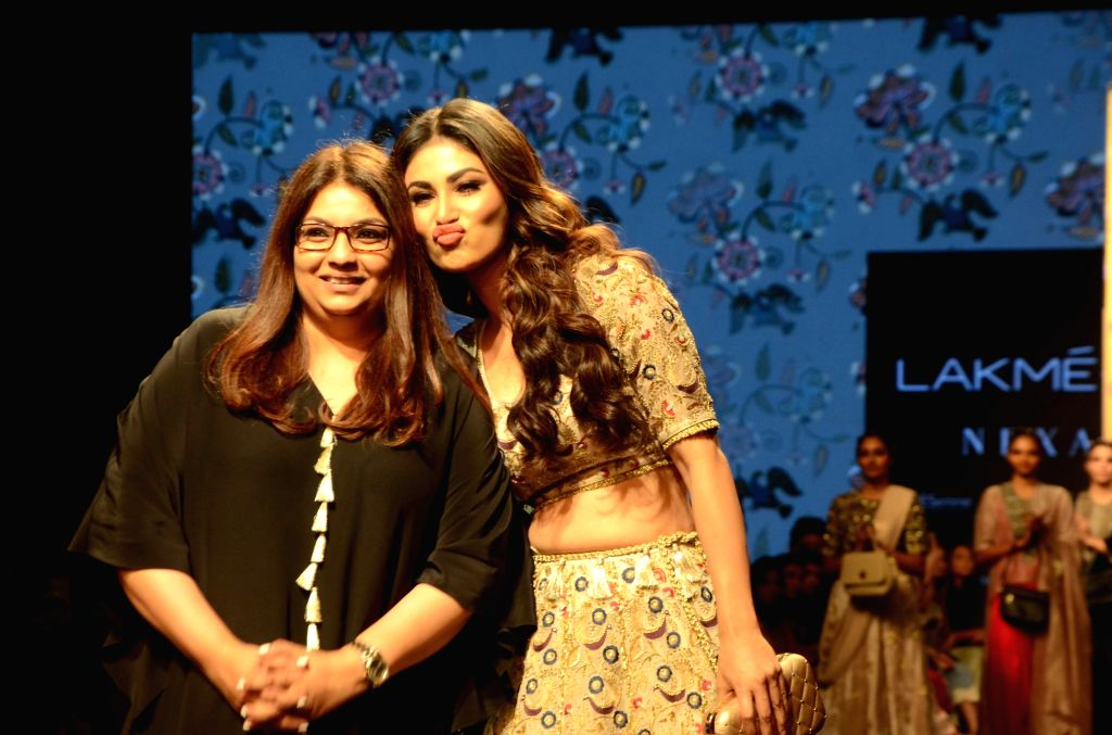 Fashion designer Payal Singhal with actress Mouni Roy at Lakme Fashion Week (LFW) Summer/Resort 2019 in Mumbai, on Feb 1, 2019. - Mouni Roy