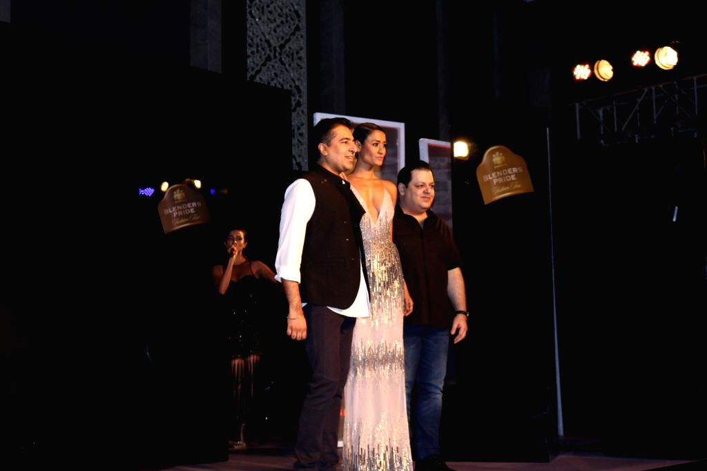 Fashion designer Rohit Gandhi and Rahul Khanna during the unveiling of Reflections of Style at the preview of Blenders Pride Fashion Tour in Mumbai, on Oct 3, 2016. - Rohit Gandhi and Rahul Khanna