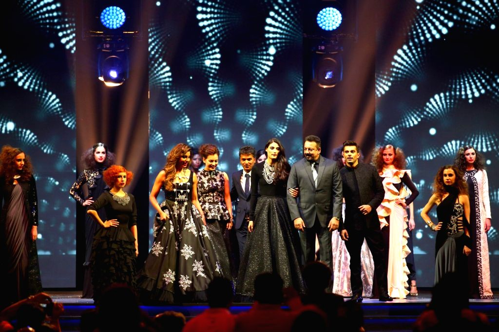 Fashion Designer Vikram Phadnis showcases his collection during Videocon d2h IIFA Rocks 2016 in Madrid on June 24, 2016.