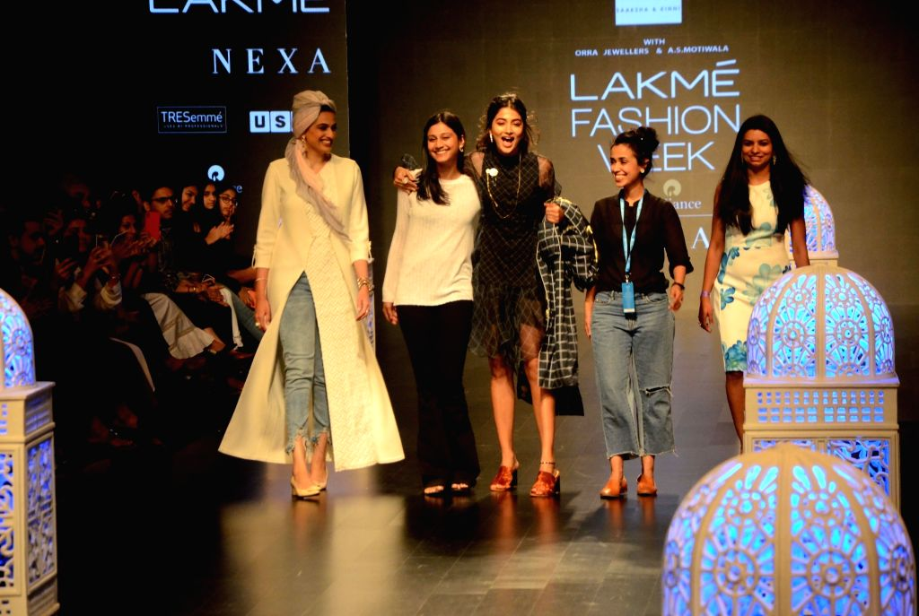 Fashion designers Saaksha and Kinni with actress Pooja Hegde at Lakme Fashion Week (LFW) Summer/Resort 2019 in Mumbai, on Feb 2, 2019. - Pooja Hegde