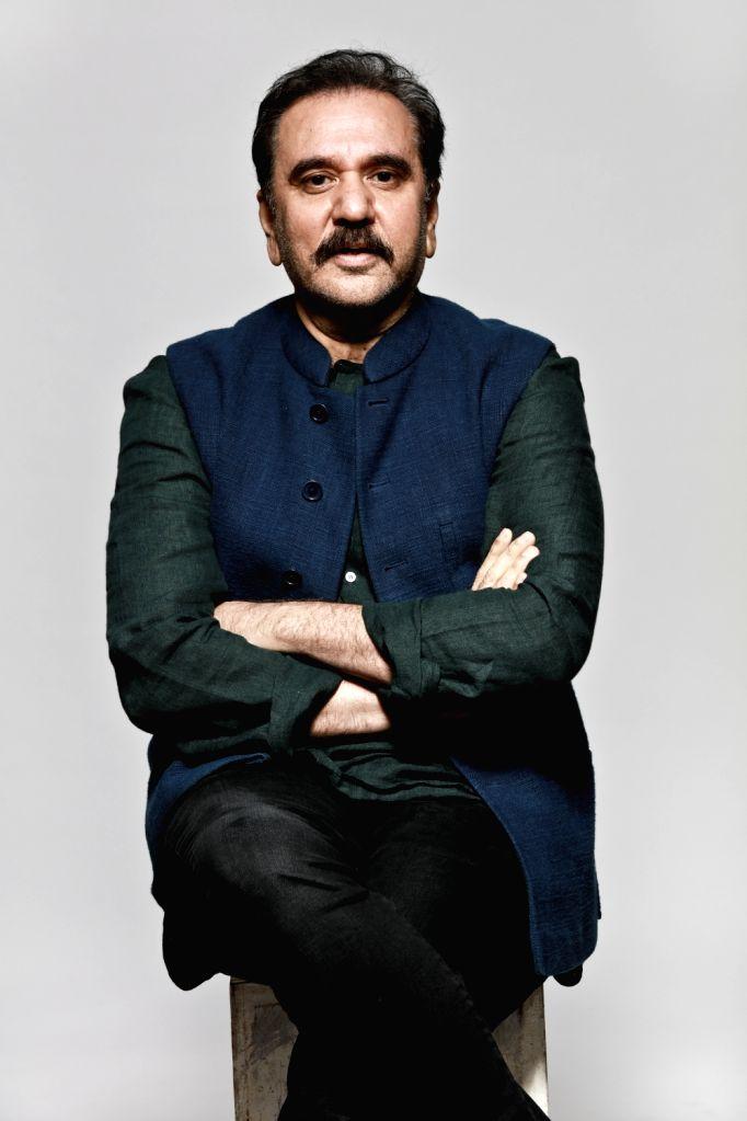 Feroz Abbas Khan. - Feroz Abbas Khan