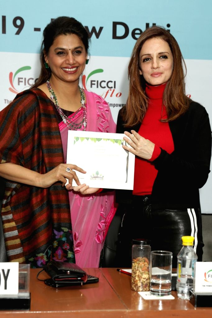 """FICCI FLO President Pinky Reddy with Interior designer and entrepreneur Sussanne Khan during an interactive session om """"Successful Mothers & Daughters in the Business of ... - Reddy and Sussanne Khan"""